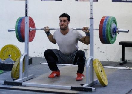 squat-strength-golf